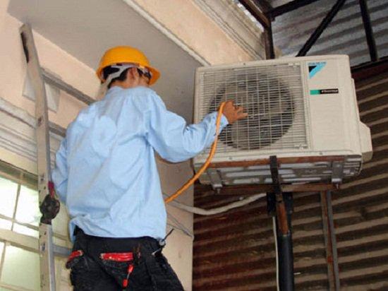 thợ điện nước thiếu trung thực