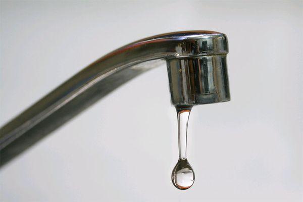 cách khắc phục vòi nước bị rỉ nước