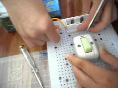 Cách lắp bảng điện trong nhà