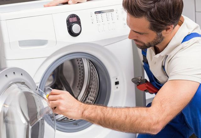 Tìm ra nguyên nhân khiến máy giặt bị lỗi xả nước liên tục sẽ giúp sửa máy nhanh hơn