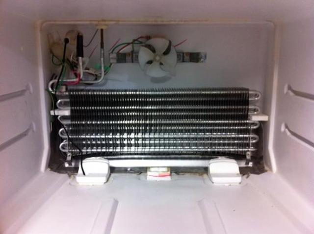 Dàn lạnh có tác dụng làm mát không khí trong tủ