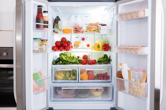 Vệ sinh một tuần một lần để tủ lạnh sạch sẽ hơn.