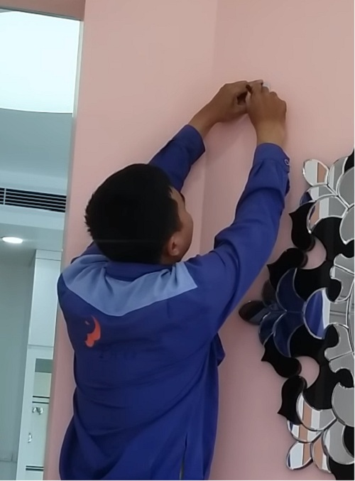 lắp quạt treo tường