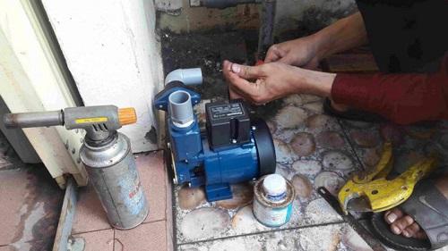 Cách lắp máy bơm nước giếng sâu